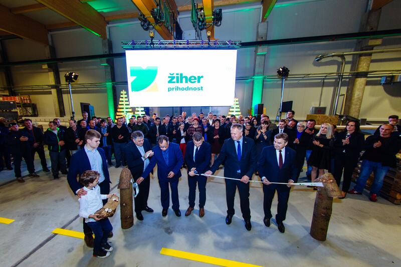 Die offizielle Eröffnung der neuen Herstellungshalle von Žiher Fertighäusern